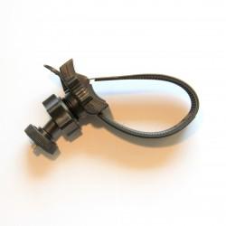 Fixation tube avec collier de serrage